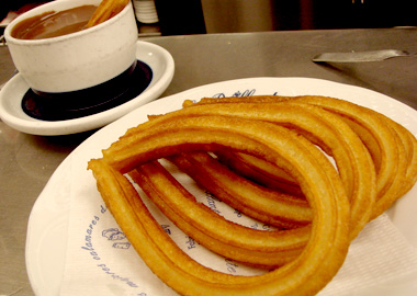 Churros con chocolate at El Brillante